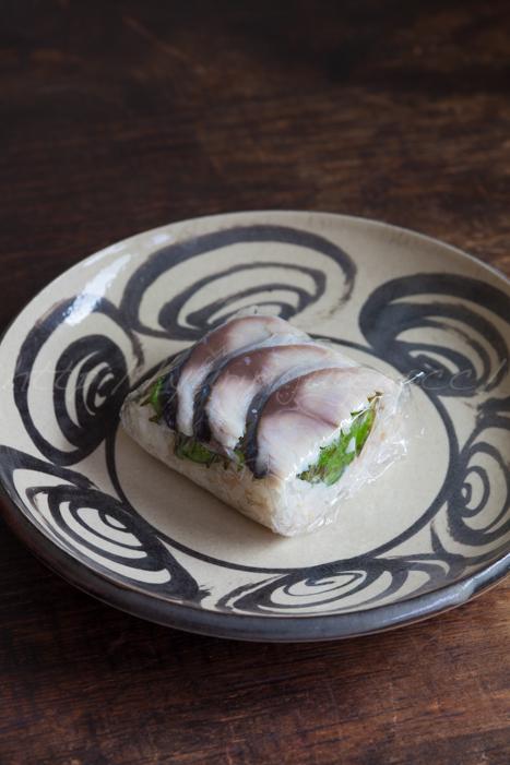 20170817〆鯖のおむすび寿司.jpg