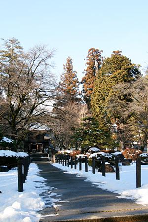 雪化粧の恵林寺(2012年)