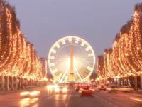 パリのシャンゼリゼ通りクリスマスのシャンゼリゼ