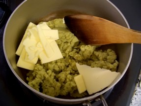 バターを入れる