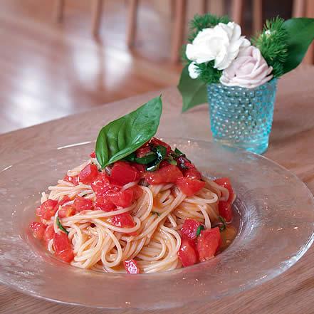 トマトとバジルの冷製フェデリーニ
