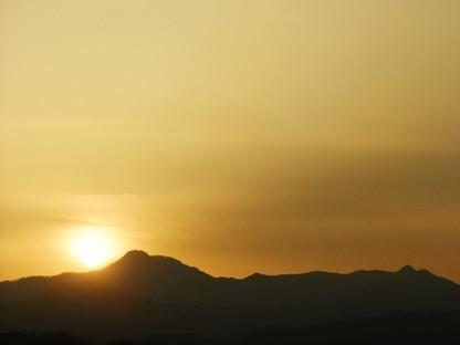 大岳山に沈む夕日