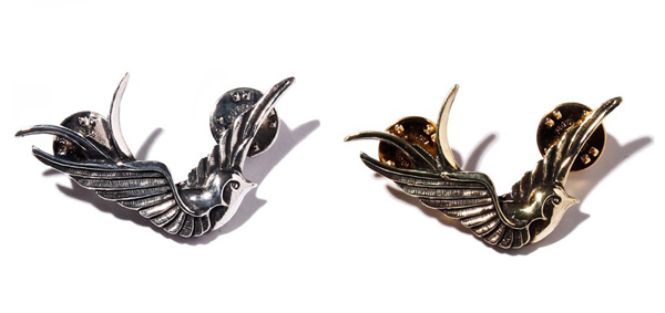 "RUDE GALLERY BLACK REBEL / SWALLOW PINS ""R"" LARGE <CHAOS DESIGN COLLABORATION>カオスデザイン"