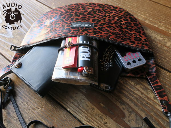 RUDE GALLERY / APRON BAG - LEO