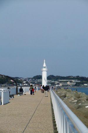 江ノ島堤防の白灯台