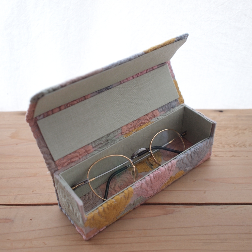 モネのバラ メガネ