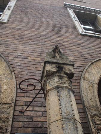 煉瓦とモチーフ