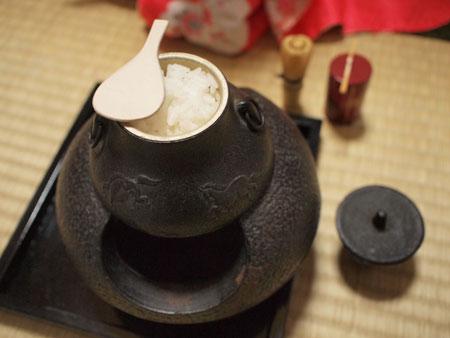 茶釜の中には。。。