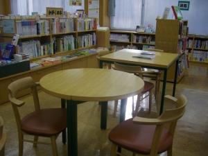 ナルニア国テーブルと椅子