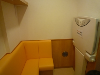 授乳室中ー2