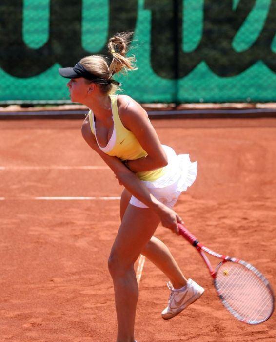美人過ぎてテニスプレイヤーというより美人女子大生のお嬢様