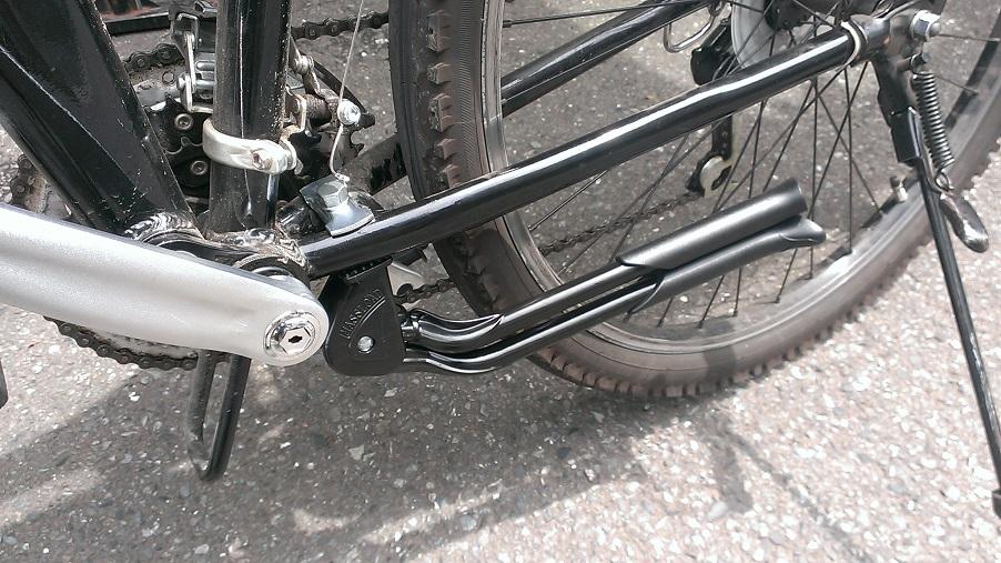 閉じると両足とも片側に収納 ... : 自転車 スタンド 交換 変速機 : 自転車の