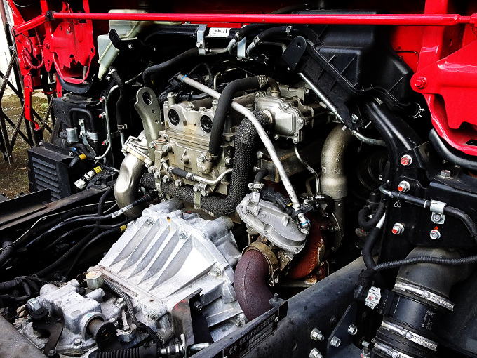 レッカー車のエンジン
