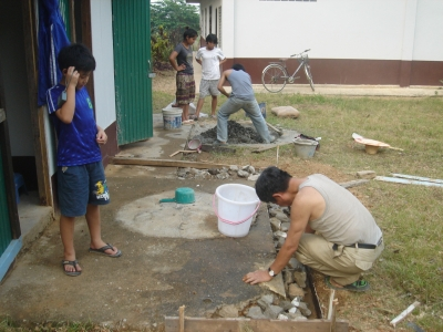 教会トイレのセメント工事1