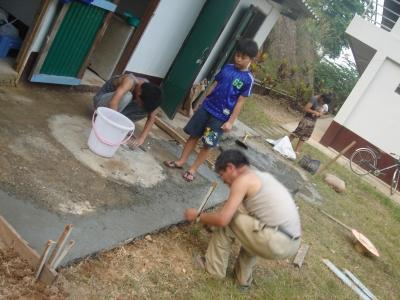 教会トイレのコンクリート作業