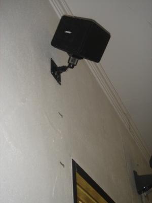 putting speaker3