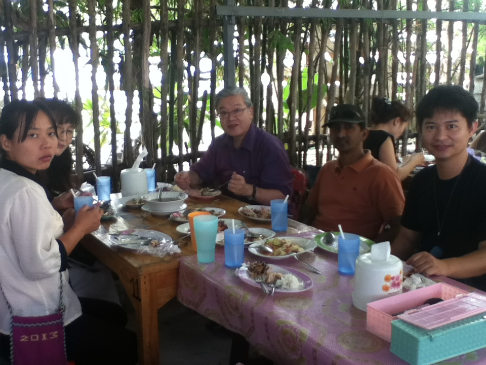 小長光宣教師と食事