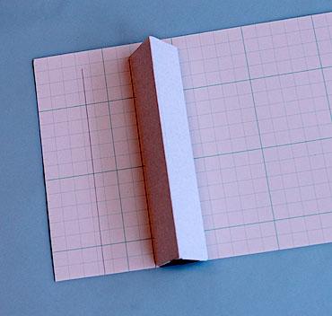 工作紙の寸法を測る