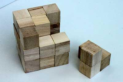 「木の立体パズル」完成見本