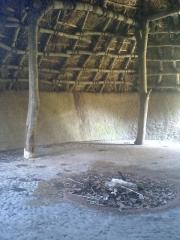 竪穴式住居室内
