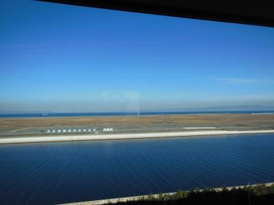 ホテルから神戸方面を望む