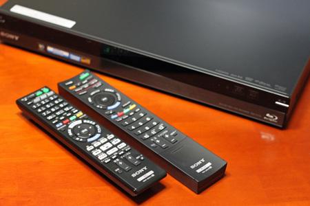 ソニー デジタルハイビジョンチューナー内蔵HDD搭載ブルーレイディスク/DVDレコーダー BDZ-AT700