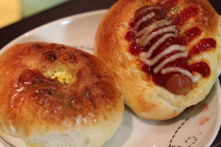 ソーセージパン&たまごパン