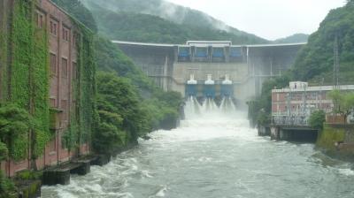 6天ケ瀬ダム放流.JPG