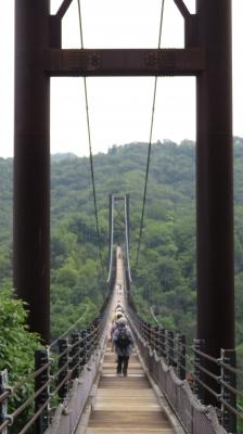 6怖い吊橋を渡る.JPG