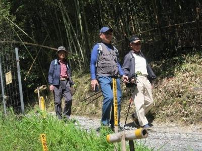 12_御大三好山を下る.jpg