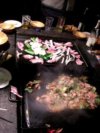 豚肉網焼き&ホルモン鉄板焼き