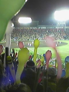 最終回、一塁二塁で井川が三振にきって取る直前!!