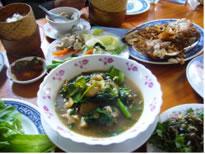 スープ(ラオス名物)