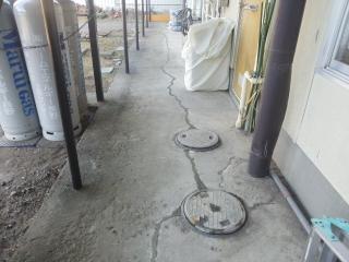 コンクリートひび割れ補修1