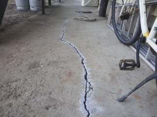 コンクリートひび割れ補修3