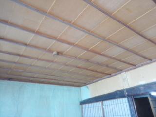 解体前の天井