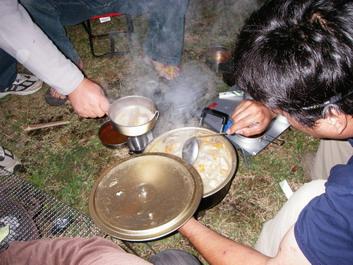 料理長が豚汁作ってくれてました。美味しそうな香りが〜^^