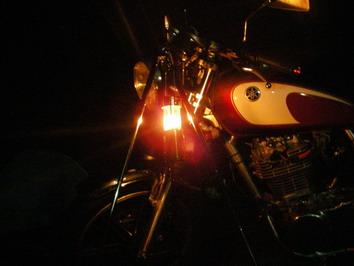 テントの前にバイクを置いて・・・