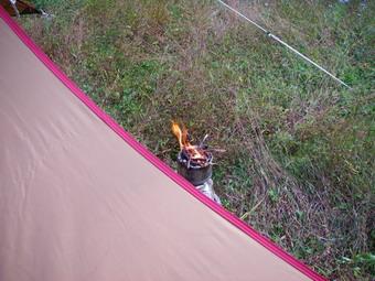 食後は焚き火を楽しみました。^^
