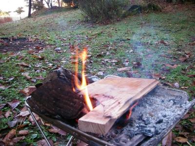 そして朝から焚き火を・・・