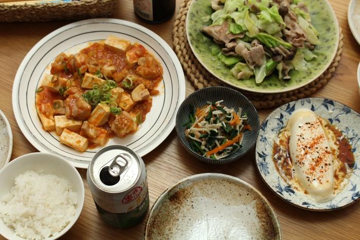 2016-11-01鶏と豆腐のチリソース炒め 野菜炒め 温奴 ほうれん草とえのきのおひたし.JPG