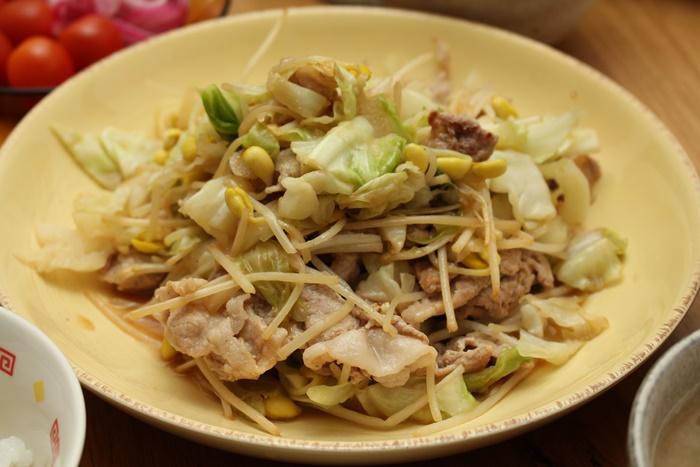 2016-11-09豚とキャベツと豆もやしのバタポン炒め.JPG