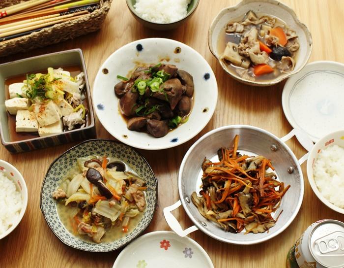 2016-11-16鶏レバーの味噌煮込み 筑前煮 舞茸と人参のソテー 八宝菜 湯豆腐2.JPG