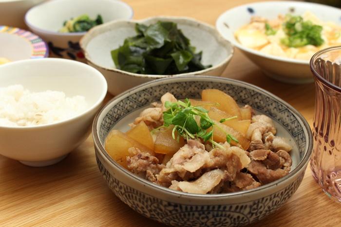 2016-11-21麻婆豆腐 豚大根 酢わかめ ほうれん草のナムル2.JPG