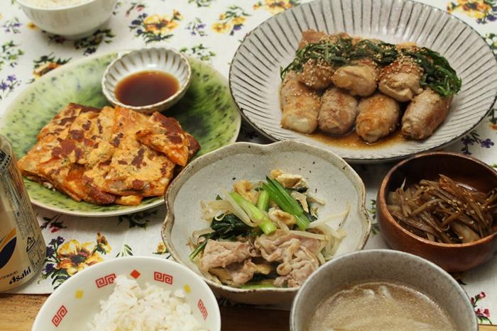 2016-11-28豆腐の豚肉巻き照り焼き 小松菜ともやしと豚のさっと煮 キムチチーズのチヂミ きんぴらごぼう.JPG