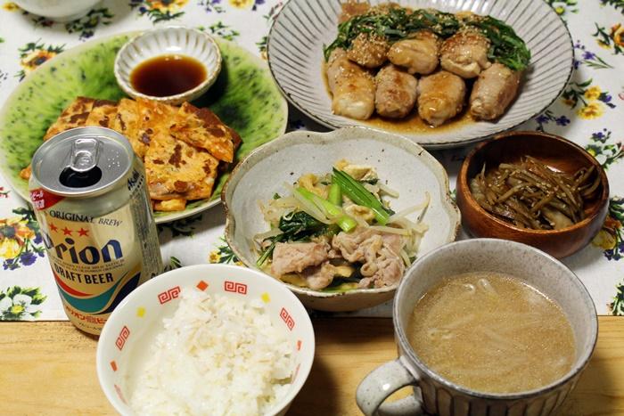 2016-11-28豆腐の豚肉巻き照り焼き 小松菜ともやしと豚のさっと煮 キムチチーズのチヂミ きんぴらごぼう2.JPG