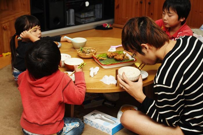 2016-12-04手羽元の唐揚げ 味噌汁 ひじきとレンコンのサラダリメイクかき揚げ2.JPG
