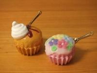発泡ウレタンのカップケーキ2種