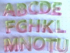 バイカラーのアルファベット