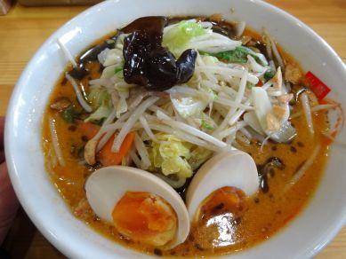 赤黒野菜みそラーメン